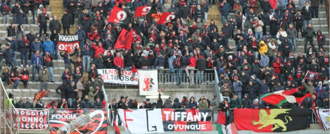 """Foggia aggredito dopo sconfitta nel derby ad Andria: cinque feriti. Aperta inchiesta. La società: """"Pronti a passo indietro"""""""