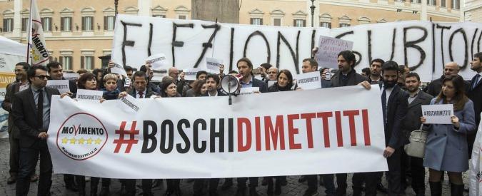 """Decreto banche, via libera con la fiducia alla Camera: 351 sì, 180 no. Proteste M5S: """"Ladri di risparmi, Boschi si dimetta"""""""