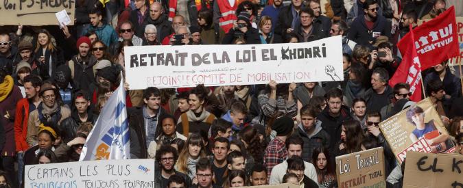 """Francia, studenti e lavoratori in piazza contro il """"Jobs Act"""" d'Oltralpe"""