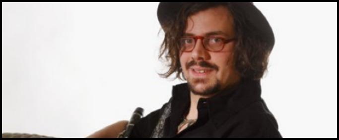 Marco Fusi, al musicista internazionale multa da 2000 euro per aver suonato nel sottopasso della stazione di Bordighera