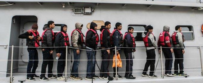 """Migranti, la Cei a Renzi: """"Valutare i permessi di soggiorno umanitari: 40mila invisibili sfruttati in Italia"""""""