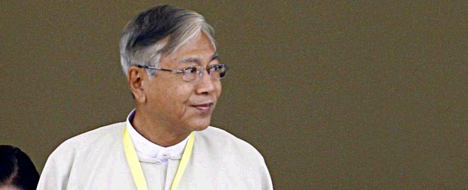 Myanmar, Htin Kyaw è il nuovo presidente. E' il primo civile da più di 50 anni