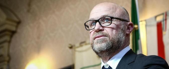 """Rifiuti Livorno, Nogarin nomina il portavoce nel cda di azienda indotto: """"Ma senza compenso"""". Ex M5s: """"Come il Pd"""""""