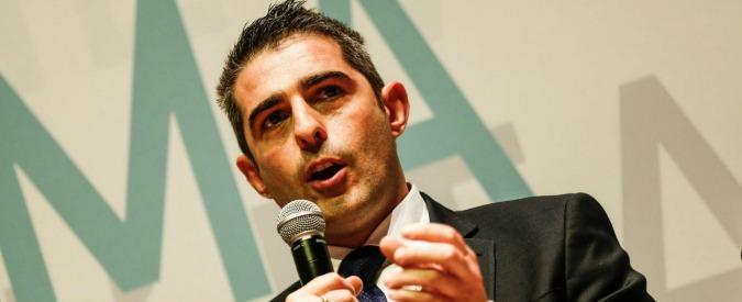 """Pizzarotti, minacce di morte al sindaco di Parma: """"Ma io lavorerò come sempre"""""""