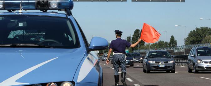 Savona, autista tir ubriaco in contromano sulla A10: fermato dalla polizia