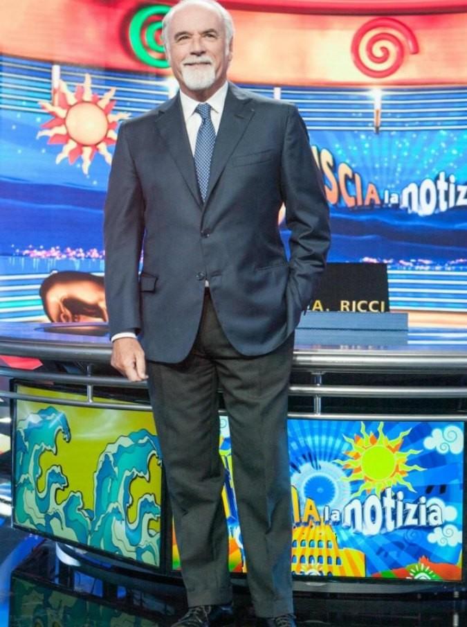 """Antonio Ricci contro Mediaset: """"Manda in onda solo format usurati. Adrian? Truffa degli anziani e agli anziani, un buco nero"""""""