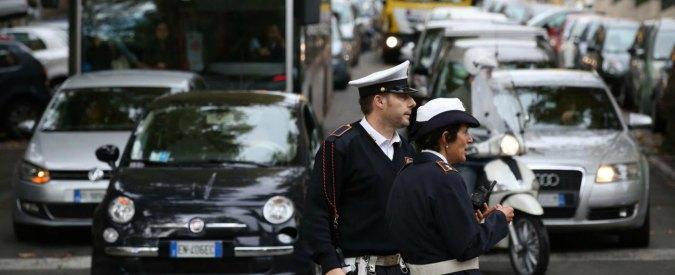 Roma, scontro tra un autobus e tre auto sulla Prenestina: un morto e tre feriti