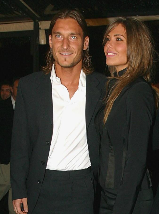 Francesco Totti – Ilary Blasi: è nata Isabel, terza Royal Baby di Roma e sorellina di Christian e Chanel