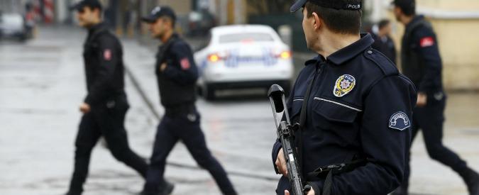 """Istanbul, italiana fermata da polizia: """"Aveva pubblicato in Rete materiale di propaganda a favore del Pkk curdo"""""""