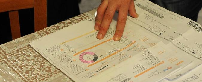 """Bollette, consumatori contro """"servizio di salvaguardia"""" inserito nel ddl concorrenza: """"Prezzi saliranno per tutti"""""""