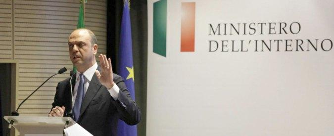 """Corruzione, Alfano contro Davigo: """"Vuole il conflitto"""". Ma il suo partito blocca la riforma della prescrizione"""