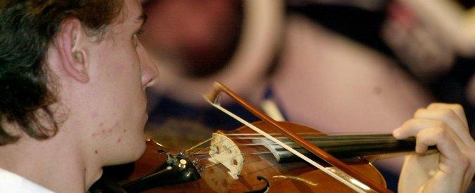 """Licei musicali, violino e contrabbasso sono per pochi: """"Accesso solo per chi sa già suonare bene gli strumenti"""""""