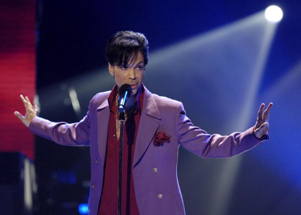 Addio a Prince, il re del pop trovato morto nella sua abitazione in Minnesota