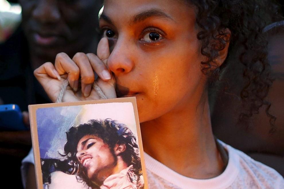 Usa, i fans piangono la morte di Prince