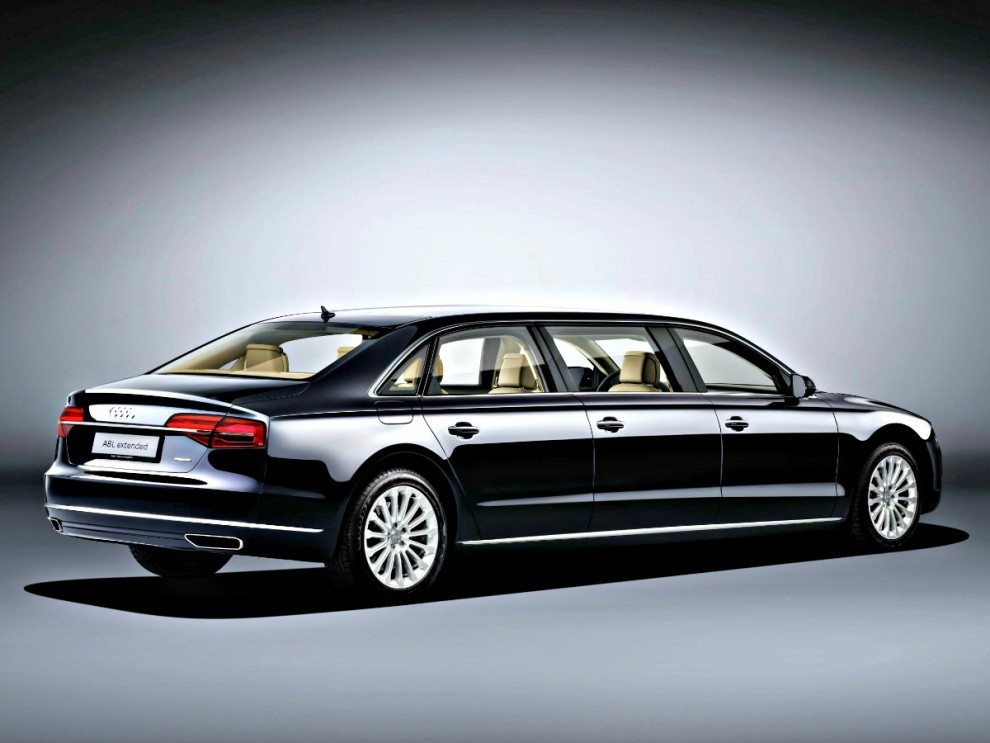 Audi A8: la speciale extended lunga oltre 6 metri