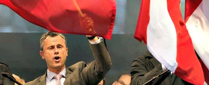 Elezioni Austria, l'ultradestra anti-migranti di Hofer avanti al primo turno. Al ballottaggio sfiderà il leaeder dei Verdi