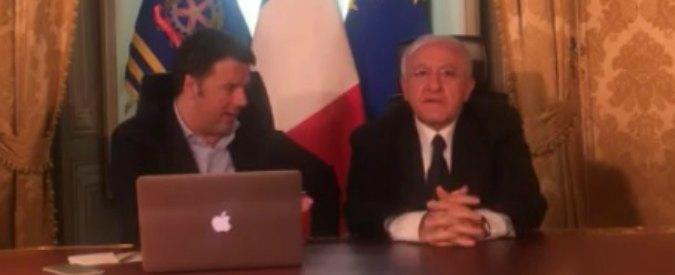 Renzi in diretta su Facebook con De Luca. Si dimenticano di parlare dell'indagine per camorra su Graziano