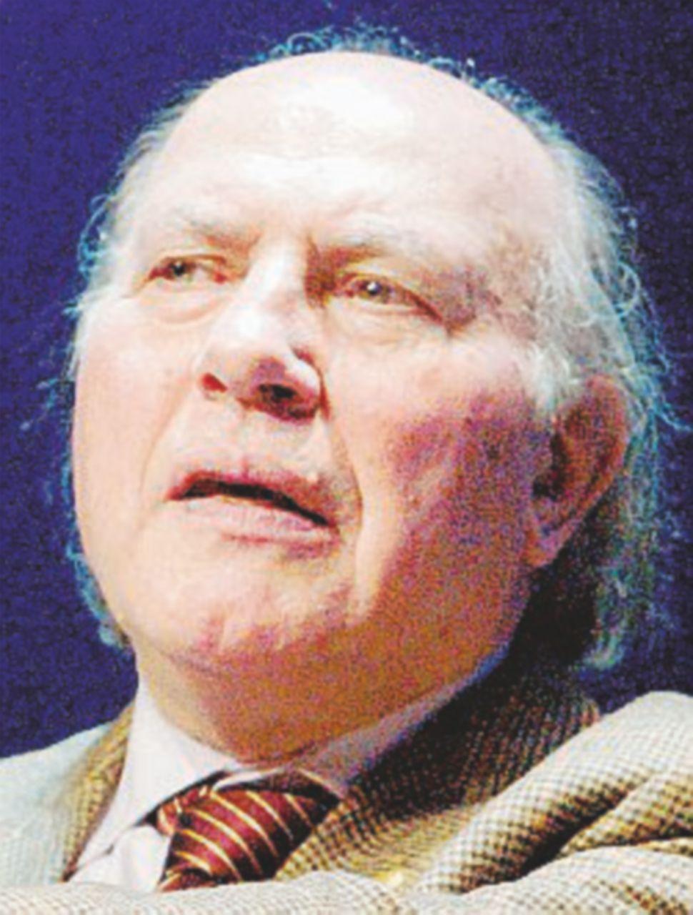 Imre Kertész, l'uomo che cercò la felicità anche nell'orrore