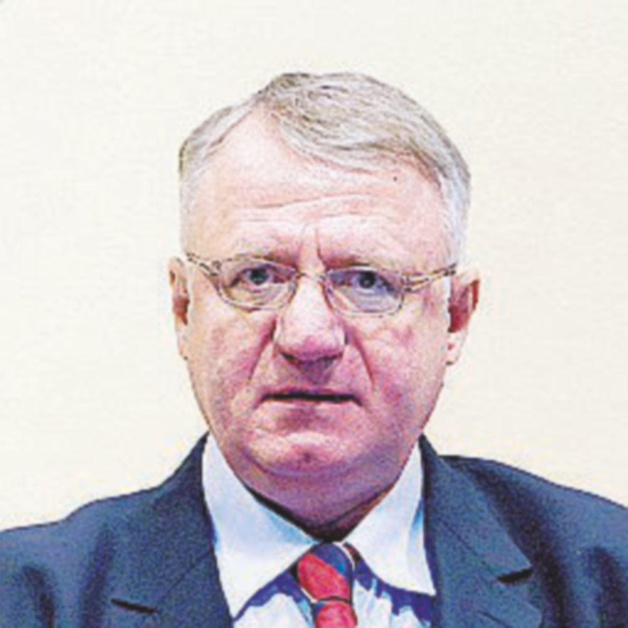L'ultra-serbo Seselj assolto all'Aja, rabbia balcanica