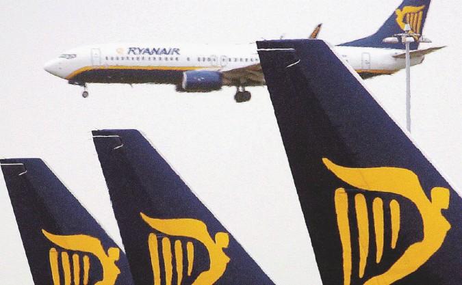 Alitalia in guerra contro Ryanair con l'aiuto di Renzi