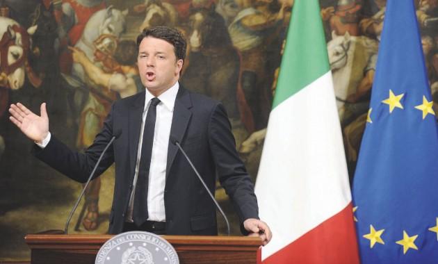 Il brindisi  -  Alle 23.20 Matteo Renzi parla in tv e brinda  al mancato quorum -  LaPresse
