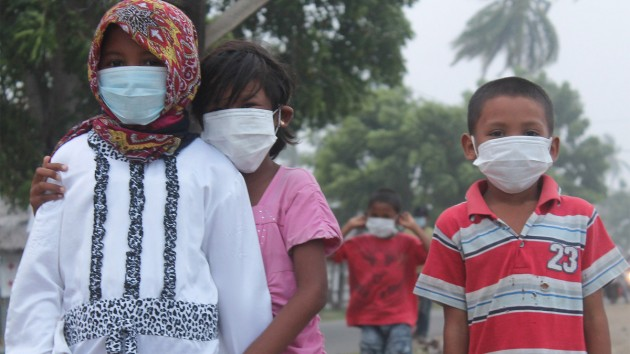 Children wear masks to prevent respiratory infections from