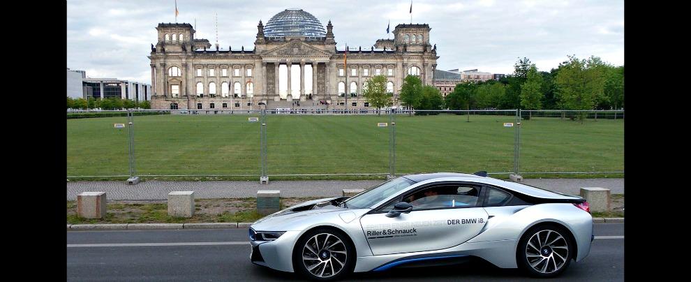 Germania, fino a 5.000 euro di incentivi per l'acquisto di auto elettriche