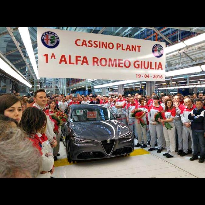 Alfa Romeo Giulia, la fabbrica di Cassino ha sfornato il primo esemplare