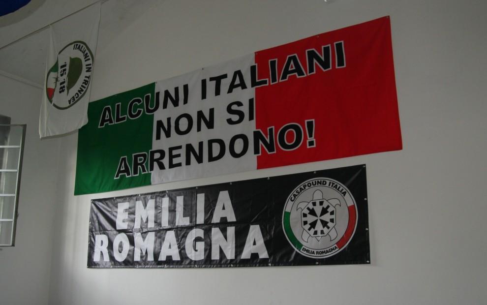 Inaugurazione Ufficio Frasi : Parma corteo antifascista e proteste per l inaugurazione della