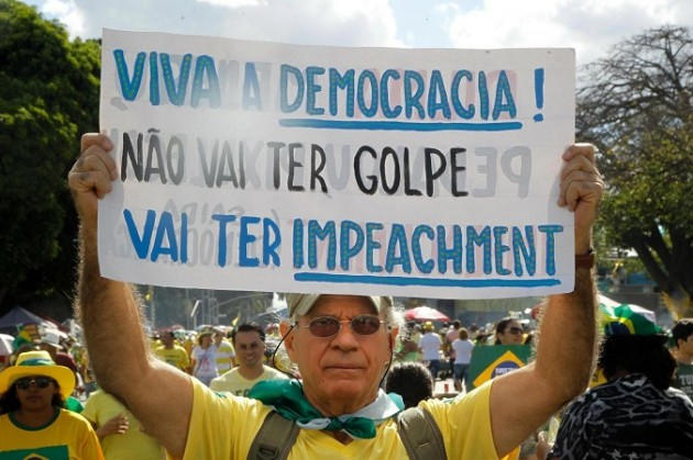 Brazilians in favor an against of president Dilma Rousseff take the streets to demonstrate
