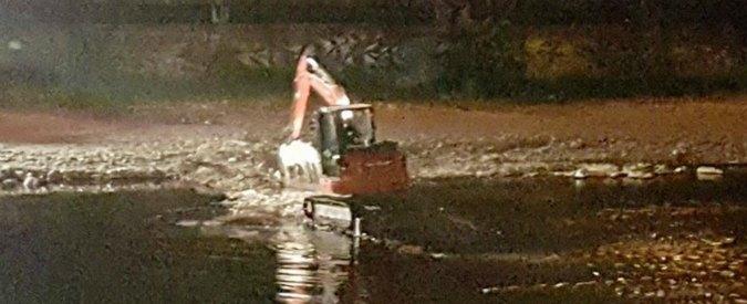 Genova, si rompe tubo della raffineria Iplom: petrolio nel torrente Polcevera