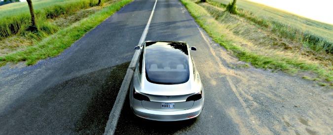Tesla, Elon Musk vuole coprire tutta l'Italia con le colonnine Supercharger