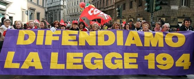 Aborto, continua la guerra alla legge 194 contro la salute delle donne