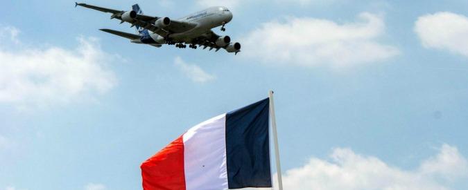 Obbligo velo, Air France cede: le hostess potranno rifiutare voli per l'Iran