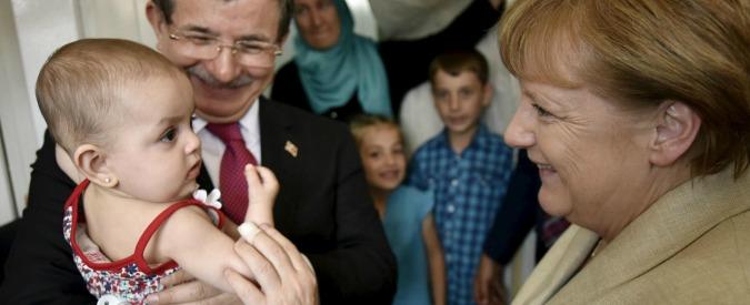 """Migranti, media: """"Se l'Italia fa passare tutti, Merkel confida in chiusura Brennero"""""""