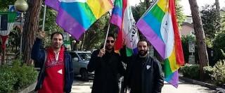 """Arcigay al corteo del 25 aprile a Riccione con le bandiere, attacchi in rete: """"I partigiani si rivoltano nella tomba"""""""