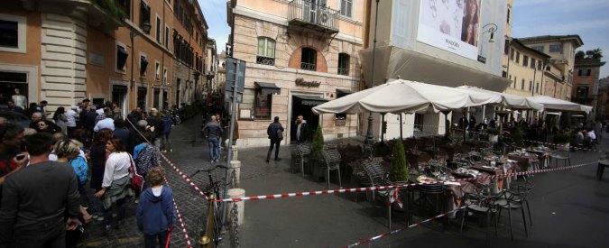 Roma, esplosione in un bar nel centro storico: morto un cameriere