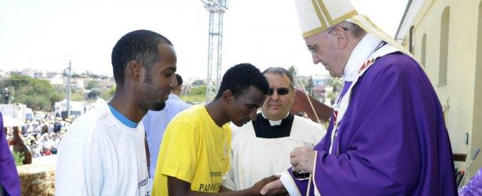Migranti, il Papa a Lesbo: tutti gli appelli per i rifugiati, da Lampedusa alle famiglie