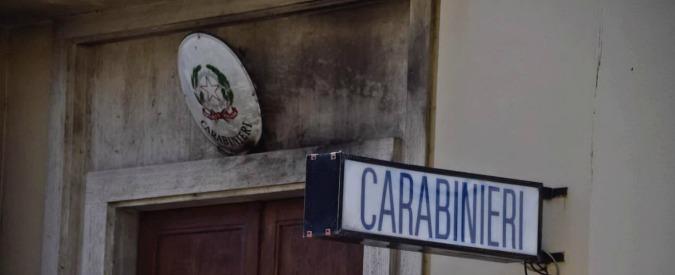 Firenze, molotov contro una caserma dei carabinieri: due esplosioni, nessun ferito