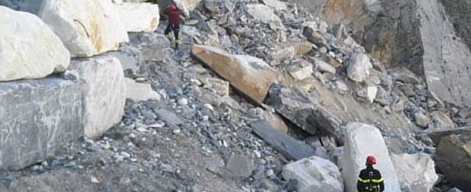 Alpi Apuane, frana costone: due operai intrappolati, uno salvato. Era rimasto sospeso nel vuoto