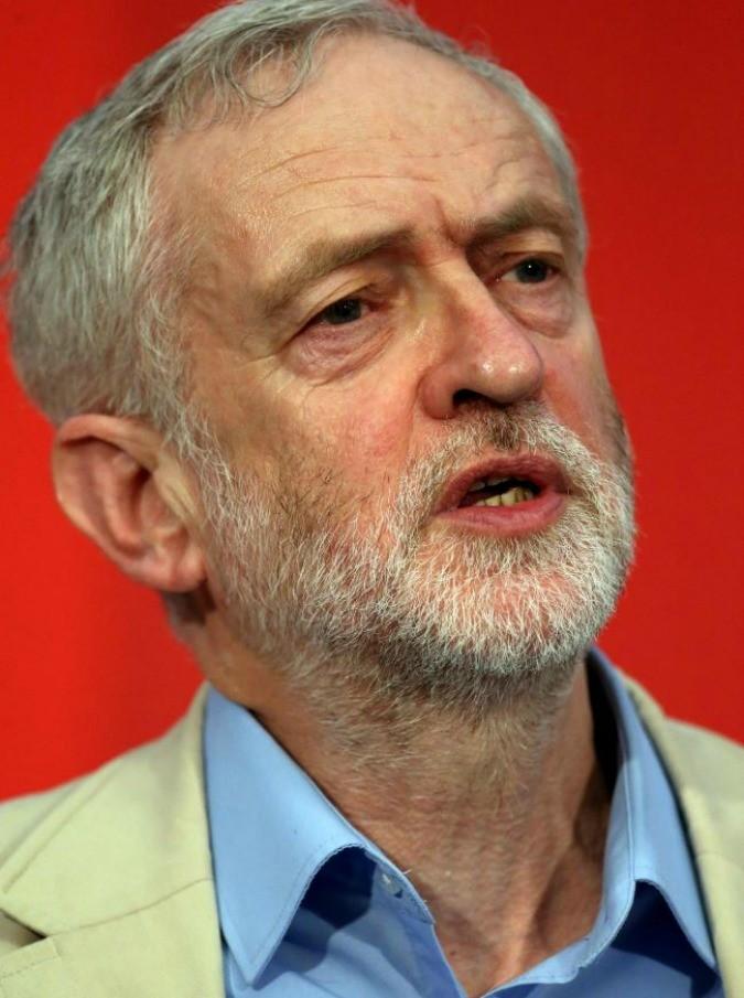 """Corbyn, chi è il politico vegetariano che rifiuta 30mila sterline da McDonald's. I colleghi laburisti: """"Scelta snob e antipopolare"""""""