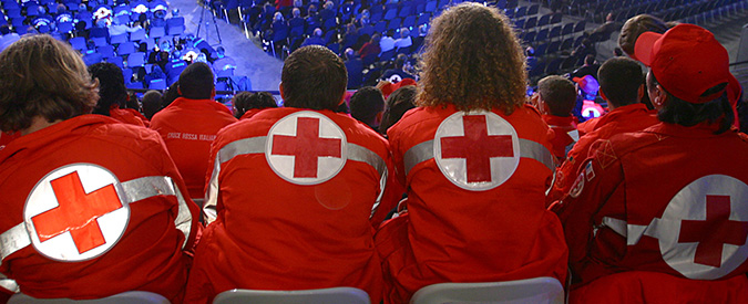 """Croce rossa Italiana, l'ente risponde ai lavoratori: """"Turni di 36 ore? Se è vero commissarieremo le sezioni"""""""