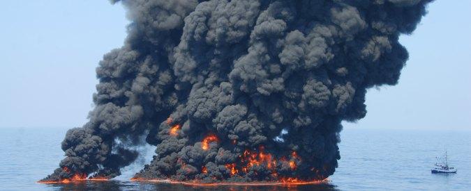 """Golfo del Messico, chiuso il caso """"Marea nera"""": """"British Petroleum dovrà pagare risarcimento da 20 miliardi dollari"""""""
