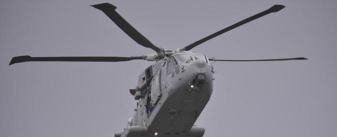 Norvegia, elicottero precipita sull'isola di Turoey. Morti tutti i passeggeri, anche un italiano