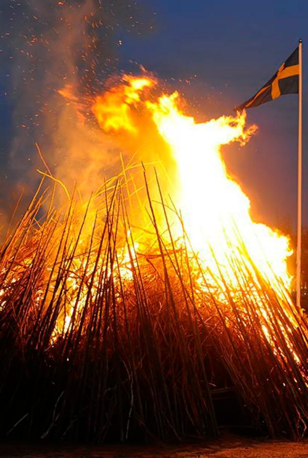 """Fuochino, fuochino… fuoco! Un weekend di feste col """"botto"""". Per celebrare l'arrivo della bella stagione"""