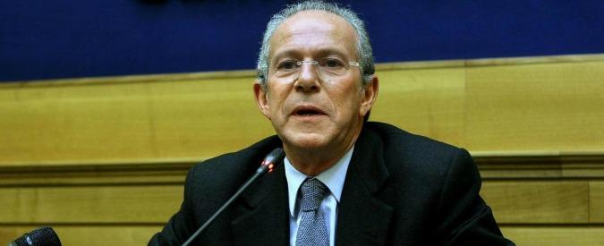 """Vitalizi, l'ex ministro La Loggia ricorre contro la sospensione dopo la nomina alla Corte dei Conti: """"Ridatemi l'assegno"""""""