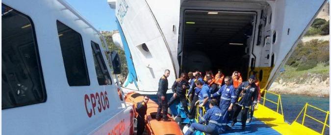 Moby Lines, traghetto incagliato al porto di Santa Teresa di Gallura. Nessun ferito