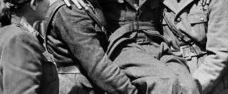 """25 aprile, la vera storia di """"Bella Ciao"""". Dai partigiani a Yves Montand, come è diventata un inno di resistenza"""