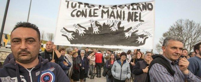 """M5s: """"Trivellopoli come Tangentopoli, noi pronti a sfiduciare Renzi. Mattarella blocchi le riforme"""""""