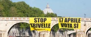 """Referendum trivelle, blitz di Greenpeace sui ponti di Roma, Torino e Venezia: """"Il mare è anche di chi è lontano, votate sì"""""""